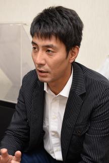 インタビュアー 山本隆弘(元バレーボール選手)