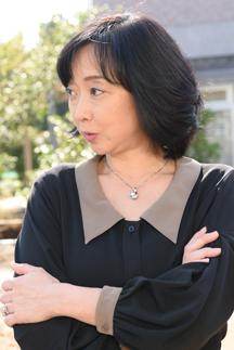 インタビュアー 川上麻衣子(女優)