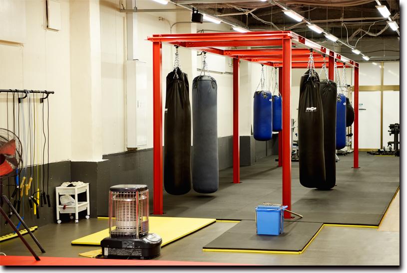 開放的で広々としたトレーニングスペース