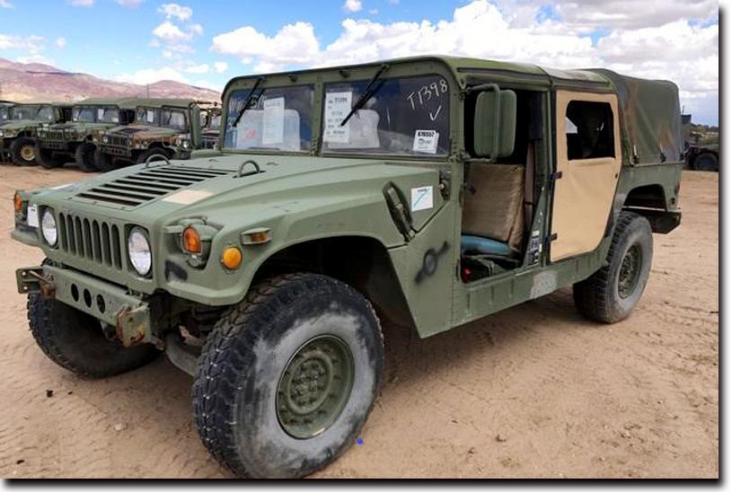 SUV車ハマーの元となった軍用車両ハンヴィー