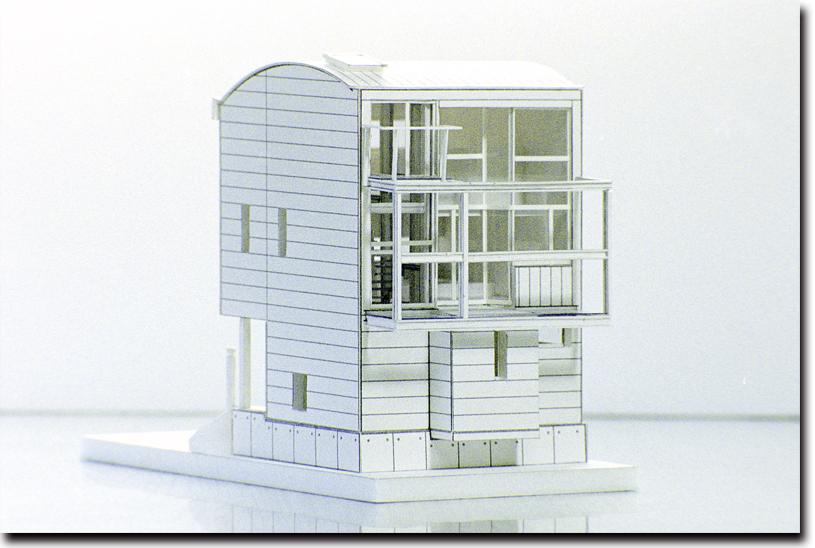 細部まで丁寧につくり込まれた建築模型