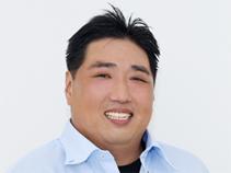 プロステージ合同会社 代表社員 出島芳隆