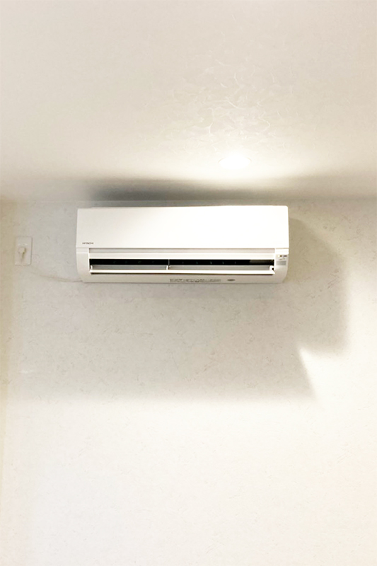 エアコン設置工事の様子①