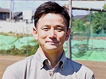 株式会社スリーヒロ 代表取締役 新居康宏