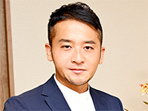 株式会社プレスプレイ 代表取締役 郡山寛彬