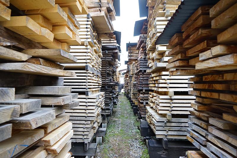 森林の豊富な岐阜県・飛騨は製材所も多数(西野製材所)